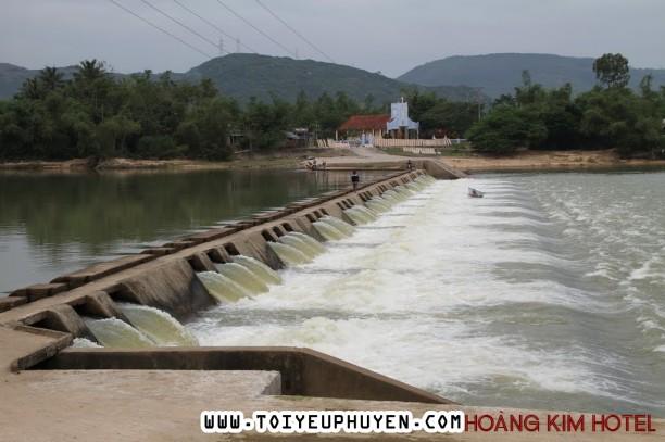 Du Lịch Phú Yên Ghé Thăm Đập Tam Giang Đi Qua Sông Cái